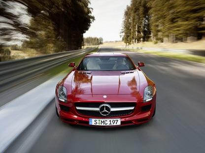 Исследование: чаще всех превышают скорость водители Mercedes