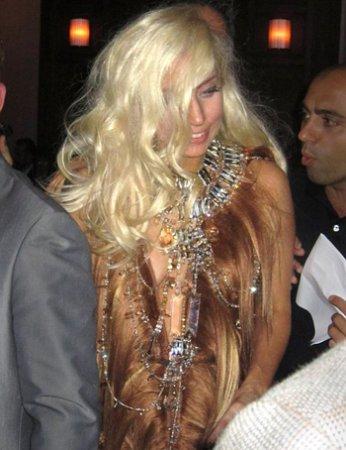 Леди Гага облачилась в... парики