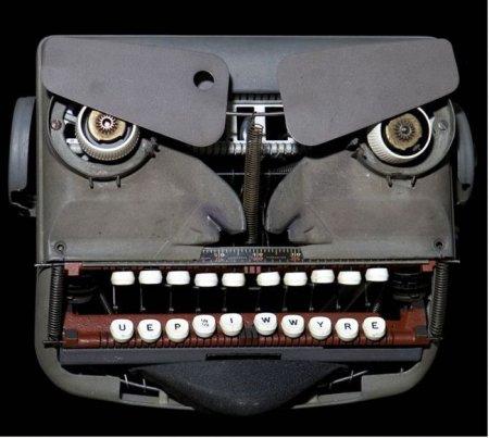 Cкульптуры из старых пишущих машинок