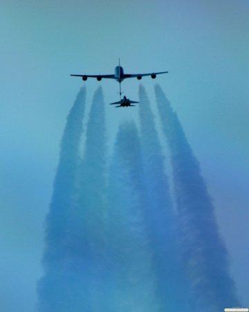 Уникальные фото заправки в воздухе