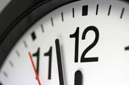 Перевод часов на зимнее время: экономика, здоровье или...?