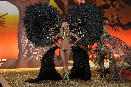 Шоу Victoria`s Secret 2010 в Нью-Йорке