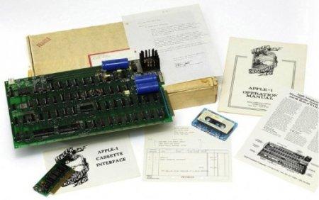 Первый компьютер Apple выставили на аукцион