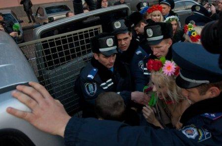 Чем Femen  приглянулся наш город Могилев???