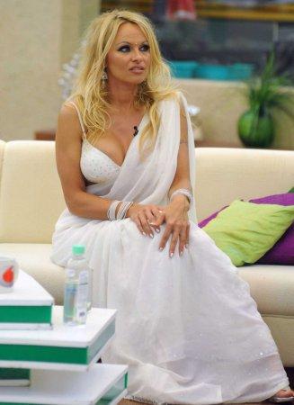 Памела Андерсон в наряде индуски