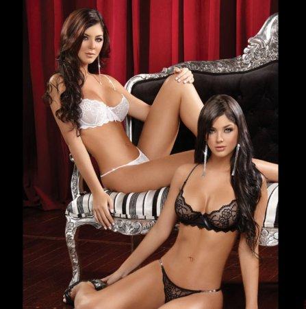 Mariana & Camila Davalos - сексуальные близняшки