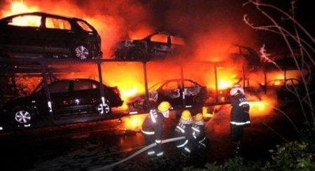 Сгоревший автовоз