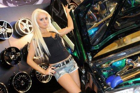 Девушки автосалона Эссен 2010
