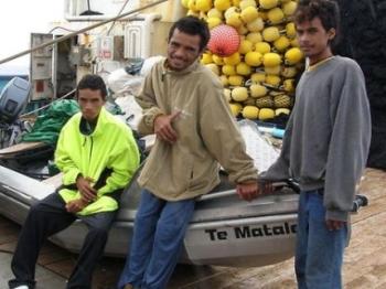 Подростки почти два месяца дрейфовали в лодке в Тихом океане
