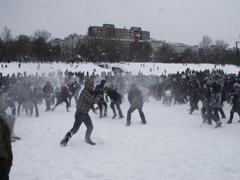 Игра в снежки в Лейпциге переросла в массовую драку