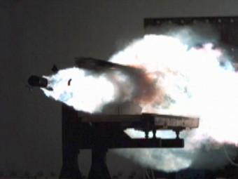ВМС США провели испытания мощного рельсотрона