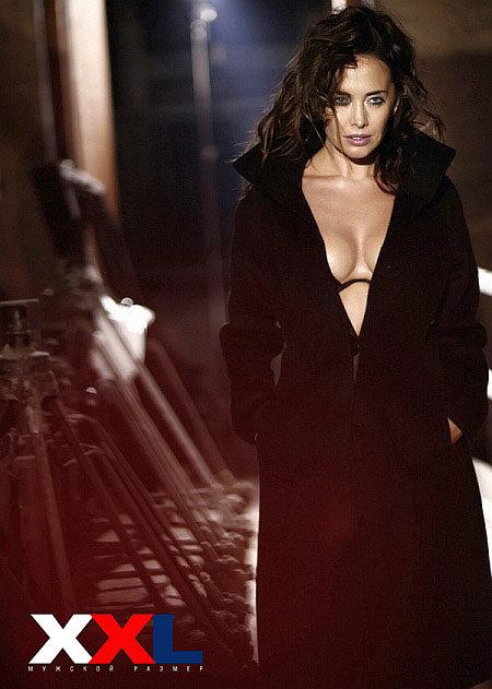 Жанна Фриске оголила грудь для мужского журнала
