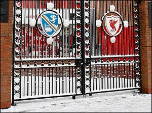 """Домашние матчи """"Арсенала"""", """"Бирмингема"""", """"Уигана"""" и """"Ливерпуля"""" отменены из-за снегопадов"""