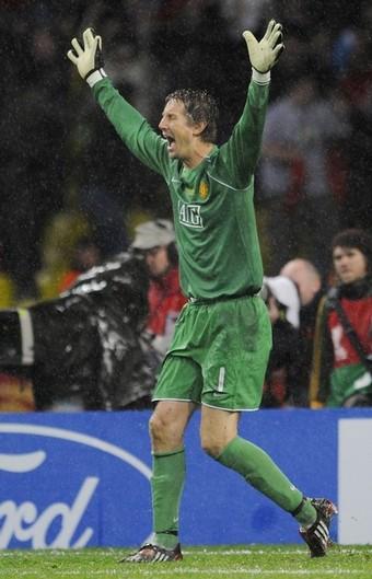 Эдвин ван дер Сар завершит карьеру по окончании нынешнего сезона