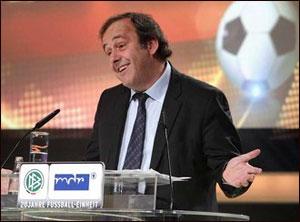 Мишель Платини останется во главе УЕФА ещё на четыре года