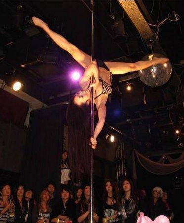 Китайские девушки в клубах