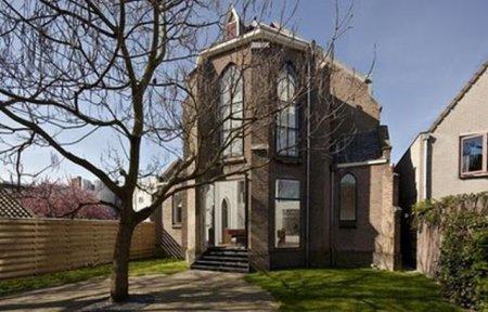Дом из церкви