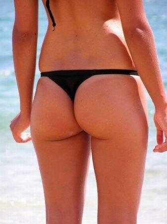 Девушки на пляжах Бразилии