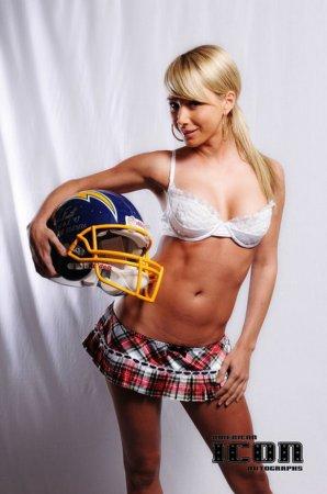 Sara Jean Underwood девушка спортивная