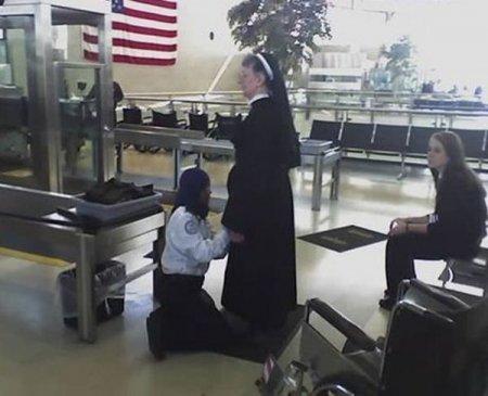 Как обыскивают в американских аэропортах