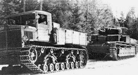 Артиллерийский тягач «Ворошиловец»