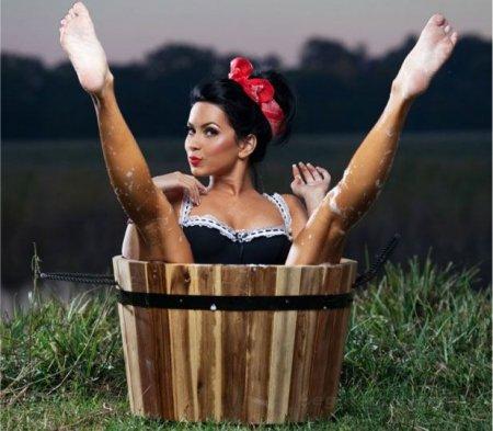 Румынсакя певица Inna