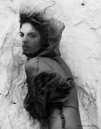 Еe вдохновляет энергия – места съемки: мебель , история.. Mara Zampariolo