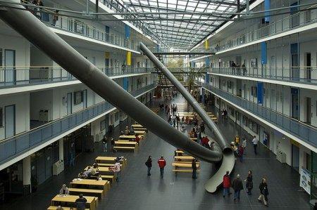 Немецкие студенты нашли альтернативу лестнице
