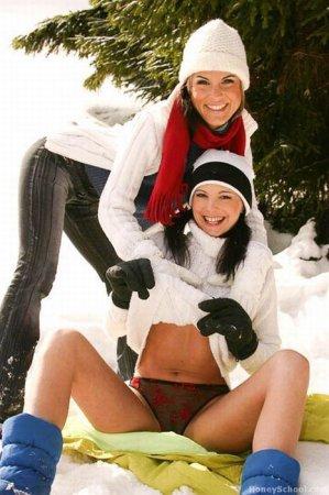 Горячие девушки, холодная зима