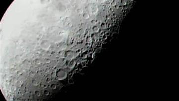 В недрах Луны есть раскаленное металлическое ядро, считают ученые