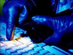 Хакер взламывал почту в поисках интима