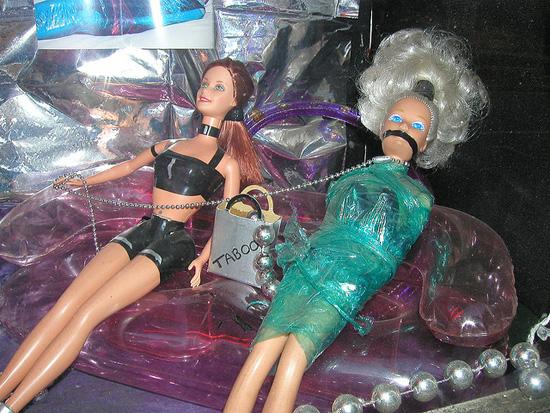 Фетиш-Барби