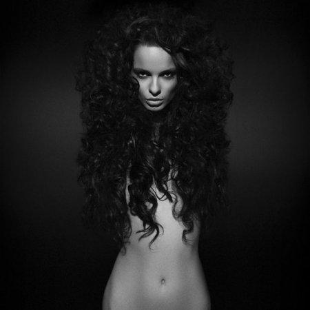 Черно белые фото девушек