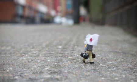 Маленькие человечки на улицах