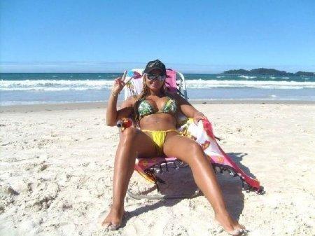 А где-то пляжи, солнце, девушки!