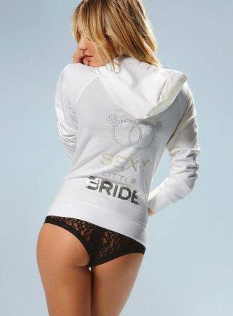Candice Swanepoel и ее секси наряды