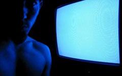 В кого нас превращает телевидение?