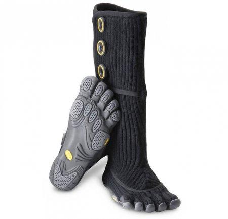 Необычная обувь с пальцами: новая коллекция