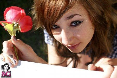 Suicide Girls:Aleon