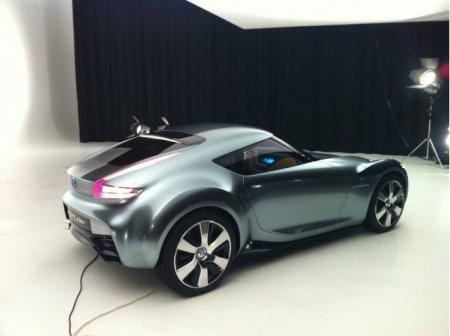 Nissan ESFLOW - ������ ����� ���� ����� ����������� �������