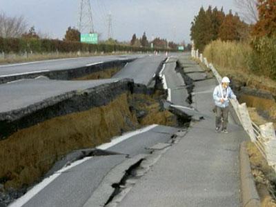 Японские строители демонстрируют чудеса работоспособности