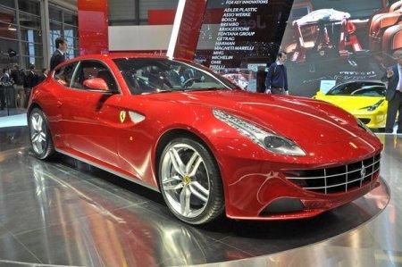 Ferrari представила первый в своей истории полноприводной суперкар