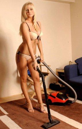 А кому помощницы в дом нужны?