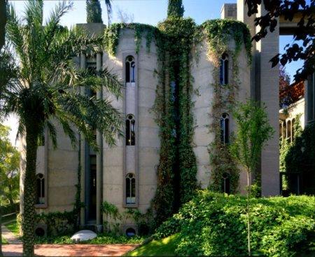 Дом из цементного заводика