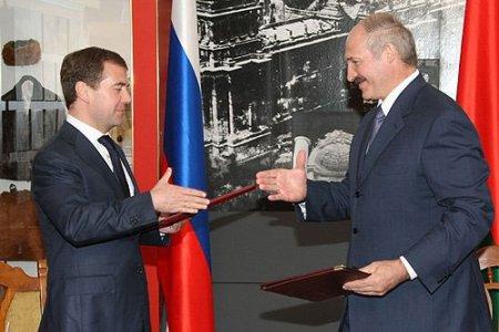 Лукашенко: «Наша беда историческая, что мы зависимы по сырью от России»