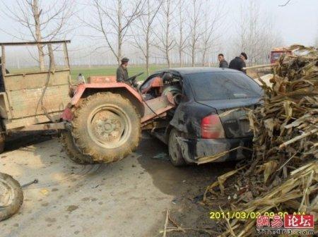 Трактор против машины