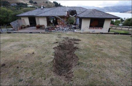 Как думаете, что случилось с этим домиком?