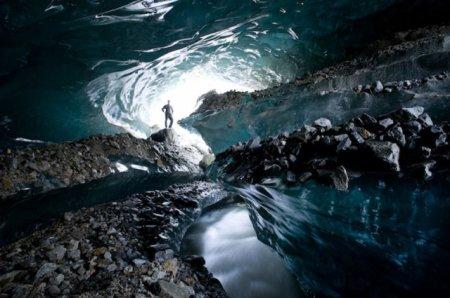 Ледяные пещеры Аляски