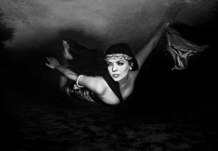 Подводные модные фотосессии
