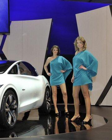 Девушки Женевского автосалона 2011